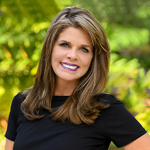 Cindy Sessoms,                       Agent in Miami - Compass