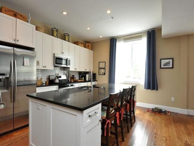 376 West Broadway, Unit 10 Image #1
