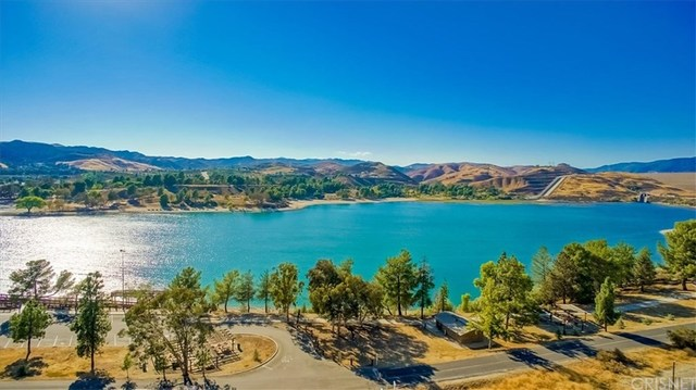 30403 Byfield Road Castaic, CA 91384