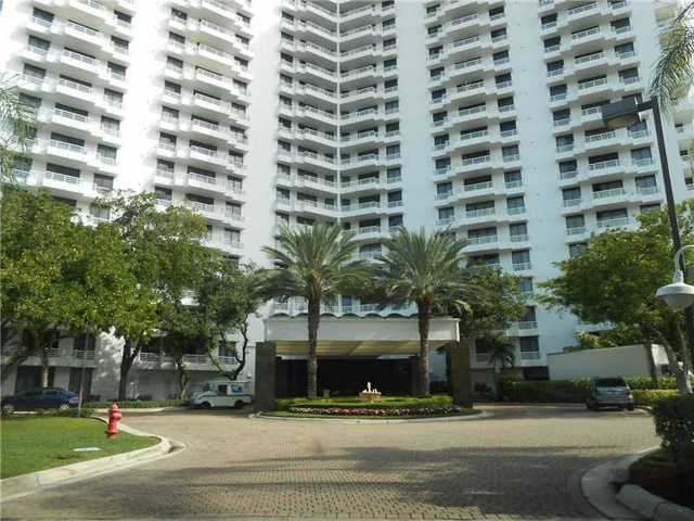 3300 Northeast 192nd Street, Unit 1909 Image #1