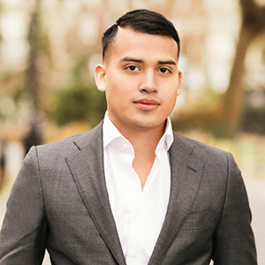 Abe Reyes, Agent in NYC - Compass