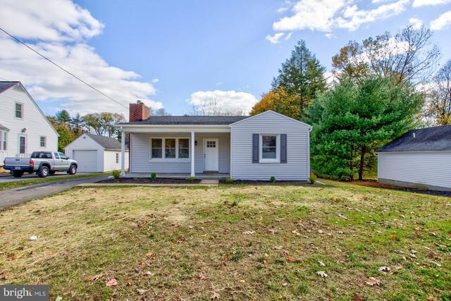 1444 Hollywood Drive Lancaster, PA 17601