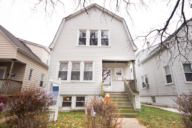 5923 West Eastwood Avenue Chicago, IL 60630