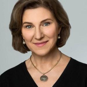 Christine Cumbelich,                     Agent in San Francisco - Compass