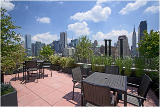 433 West 34th Street, Unit 3E Image #1