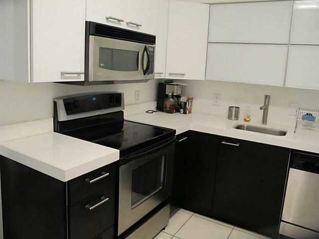 5700 Collins Avenue, Unit 5C Image #1