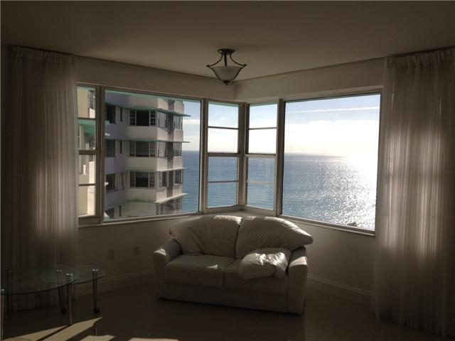 5255 Collins Avenue, Unit 12A Image #1