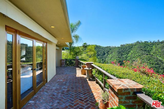 1687 Clear View Drive Beverly Hills, CA 90210