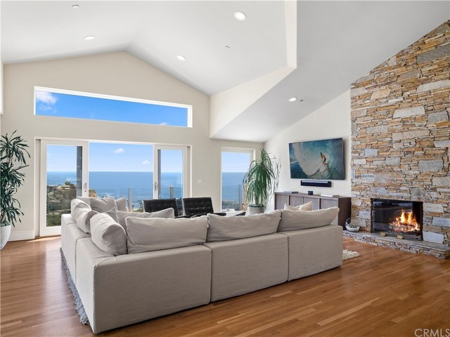 1020 Emerald Bay Laguna Beach, CA 92651