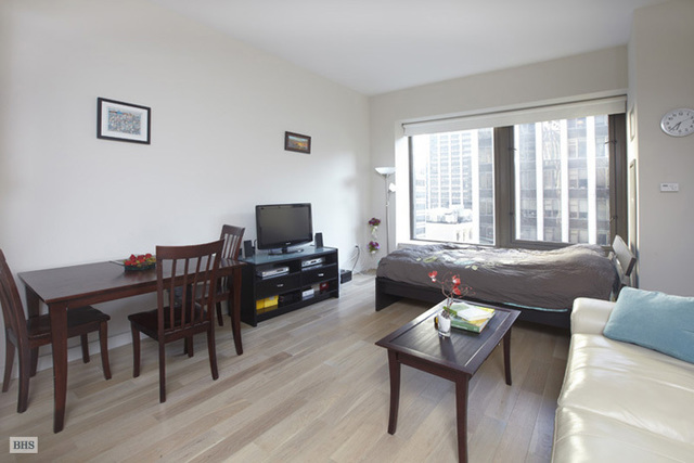 75 Wall Street, Unit 23D Image #1
