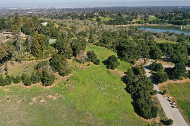 385 Moore Road Woodside, CA 94062