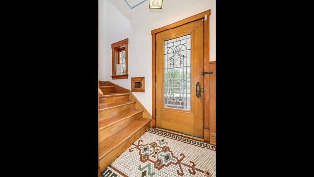 3428 West Wrightwood Avenue Chicago, IL 60647