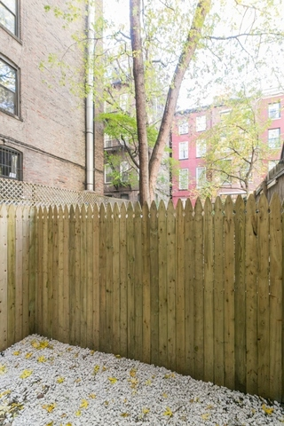 456 West 22nd Street, Unit 1B Image #1