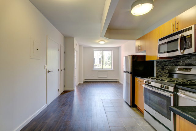 194 East 2nd Street, Unit 4A Image #1