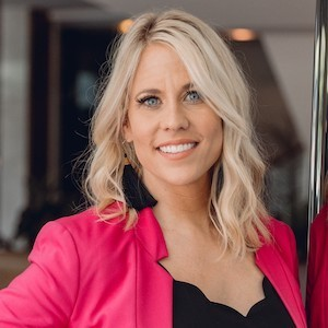 Sallie Laning,                       Agent in Dallas-Fort Worth - Compass
