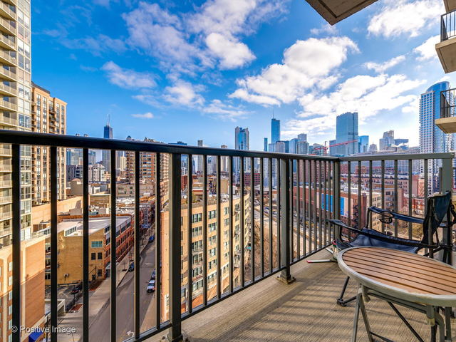 600 North Kingsbury Street, Unit 1205 Chicago, IL 60654