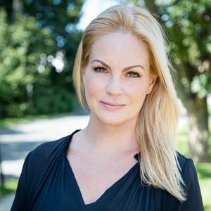 Alyra Hoffman,                     Agent in The Hamptons - Compass