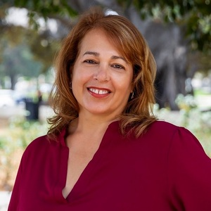 Roxanne Silvera, Agent in Los Angeles - Compass
