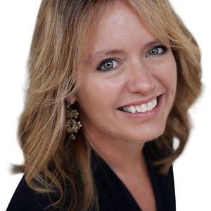 Amy Diller,                     Agent in San Francisco - Compass