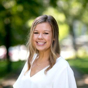Maddie Watkins,                     Agent in Seattle - Compass