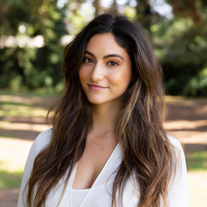 Genevieve LeFranc,                       Agent in Los Angeles - Compass