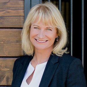 Caren Kelley,                     Agent in San Diego - Compass