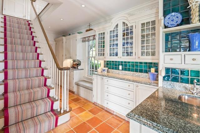 164 Crabtree Road Quincy, MA 02171