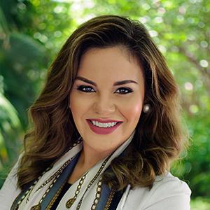 Carolina Ecker,                     Agent in Miami - Compass