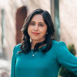 Dakshi Anand,                     Agent in Chicago - Compass