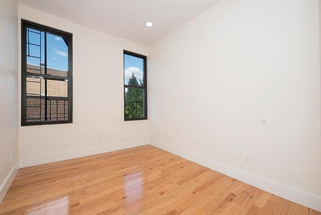 211 Nassau Avenue, Unit L2 Brooklyn, NY 11222