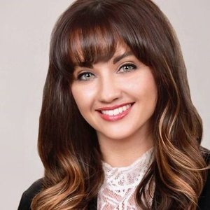Heather Greenwood,                       Agent in Los Angeles - Compass