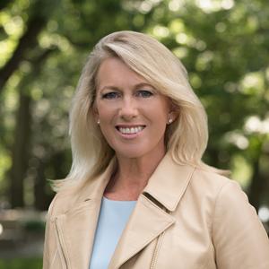 Leslye Fligor,                     Agent in Greater Boston - Compass