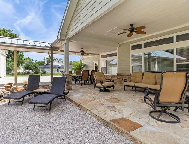 2904 Mandale Road Friendswood, TX 77546