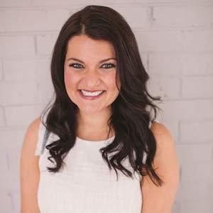 Sarah Frohnapfel,                       Agent in Denver - Compass