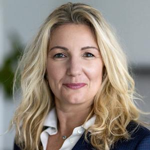 Valerie Danna, Agent in  - Compass