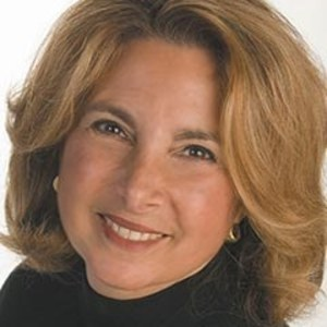 Robyn Mohr,                     Agent in San Francisco - Compass