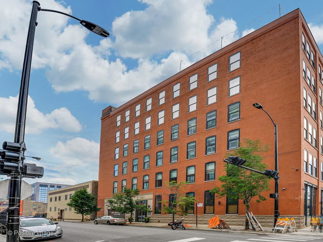 1101 West Lake Street, Unit 3B Chicago, IL 60607