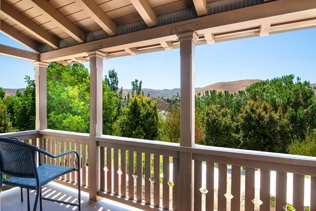258 Spruce Circle Simi Valley, CA 93065