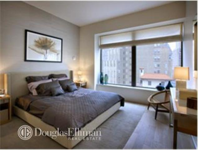 75 Wall Street, Unit 21G Image #1