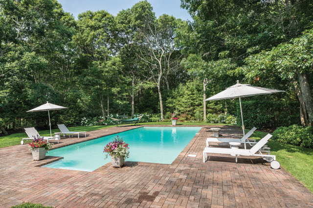 21 Woodruff Lane Bridgehampton, NY 11932