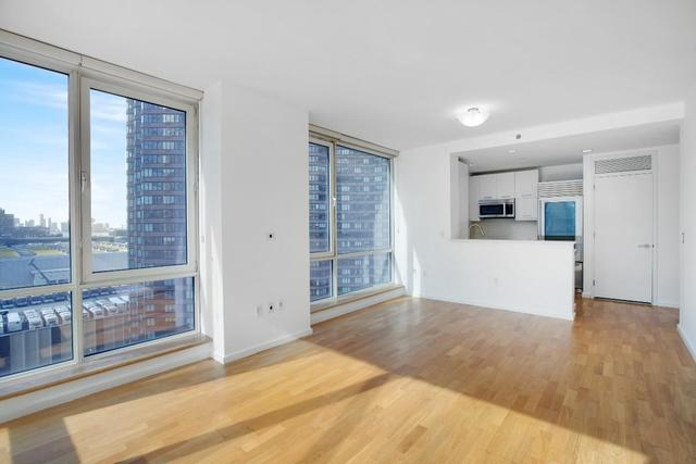 635 West 42nd Street, Unit 12G Image #1