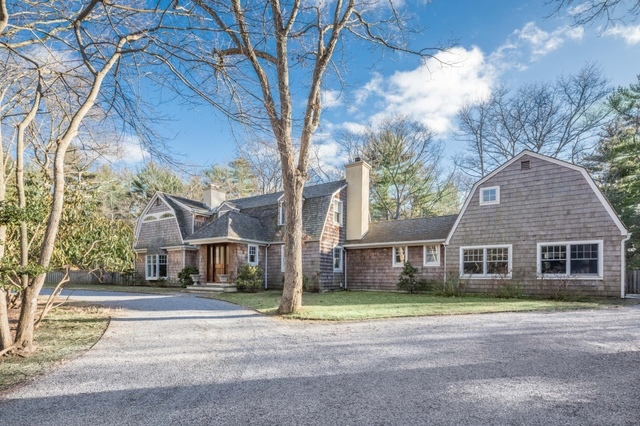 2 Timber Lane East Hampton, NY 11937