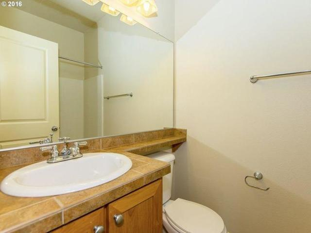 22846 Southwest Forest Creek Drive, Unit 200 Sherwood, OR 97140