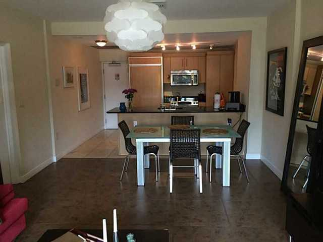 10275 Collins Avenue, Unit 109 Image #1