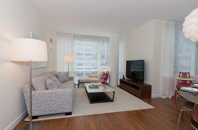 330 West 39th Street, Unit 11B Image #1