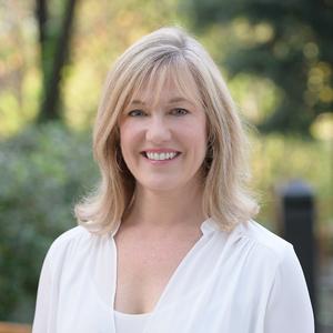 Carolyn Gwynn,                     Agent in San Francisco - Compass