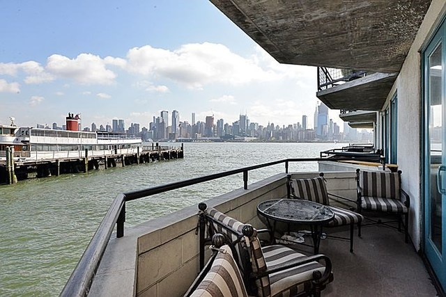 600 Harbor Boulevard, Unit 676 Weehawken, NJ 07086