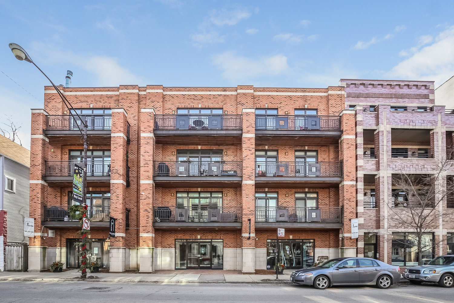 2107 West Belmont Avenue, Unit 4B Chicago, IL 60618