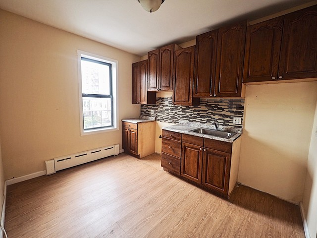 23-11 Broadway, Unit 1F Queens, NY 11106