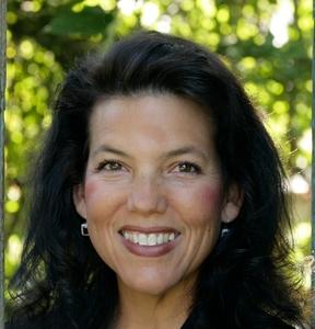 Linda Futral, Agent in San Francisco - Compass